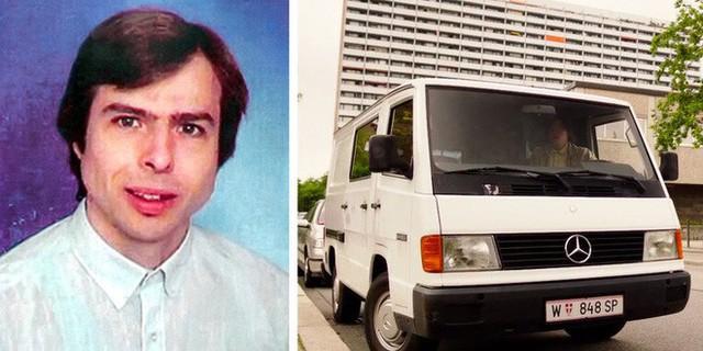 Hung thủ Wolfgang và 1 chiếc xe van màu trắng, tương tự như chiếc dùng để bắt cóc Natascha (Ảnh: Wikimedia, phim 3096 Tage)