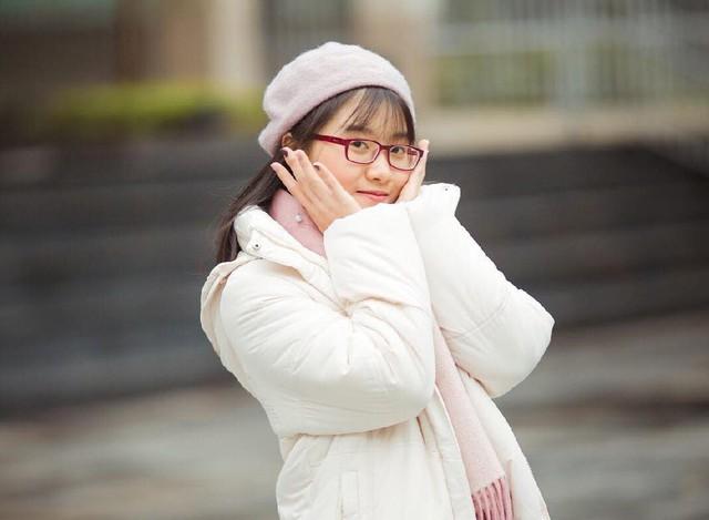 Trước quyết định của con gái, bản thân chị Thanh và cô giáo chủ nhiệm đều cảm thấy tiếc khi Lam quyết tâm theo học tại một trường công lập.