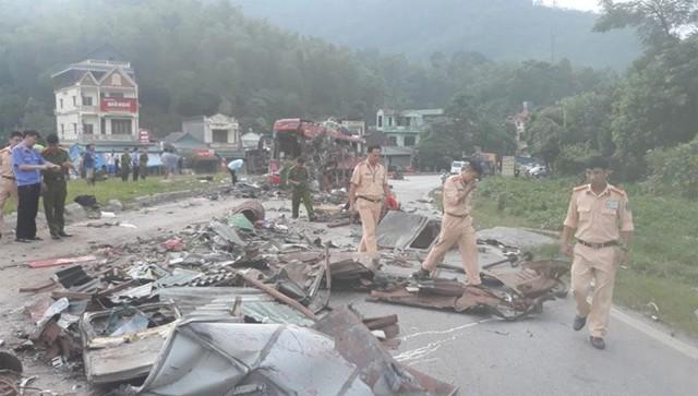 Vụ tai nạn khiến 3 người tử vong, trên 30 người phải đi cấp cứu do bị thương