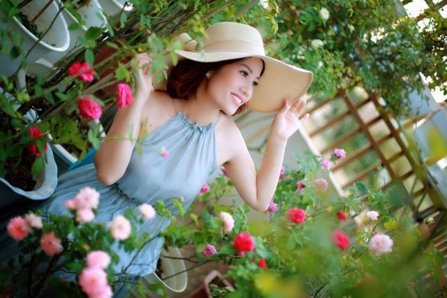 Chị Ngoan có niềm đam mê bất tận với hoa hồng.