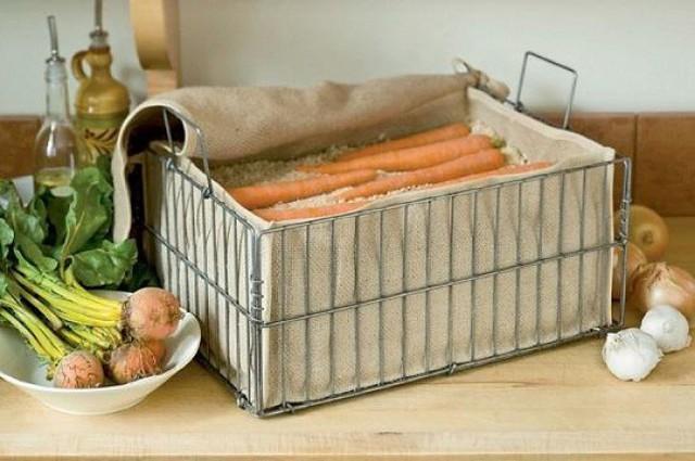 Lưu trữ cà rốt trong cát sẽ giúp chúng lâu bị hỏng hơn đấy!