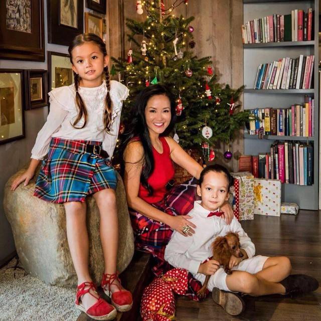 Sau hơn nửa năm ly hôn, chồng cũ cũng đã có gia đình mới, cuộc sống hiện tại của Hồng Nhung và hai con luôn là chủ đề được người hâm mộ quan tâm.