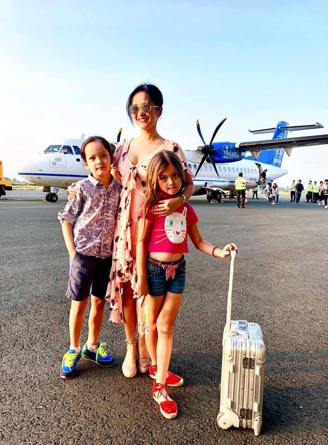Không ít lần 3 mẹ con đi du lịch cùng nhau.