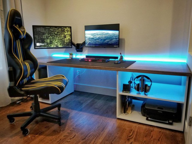 Đây là bàn làm việc của người đàn ông.