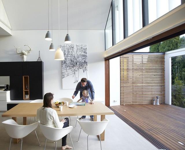 Ngôi nhà thông minh Aussie tạo ra một sự tương tác trong nhà - ngoài trời liền mạch nhờ không gian mở sáng tạo.