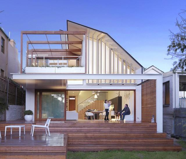Ngôi nhà theo phong cách đương đại ở Sydney có mái nhà di chuyển được để đối phó với nhiệt độ mùa hè nóng bức.