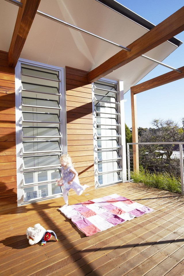 Mái nhà di chuyển được sẽ cung cấp bóng râm cho những người sống bên trong khi cần thiết.