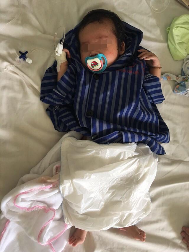 Bé A hồi phục tốt sau mổ thoát vị bẹn nghẹt và được ra viện sau 7 ngày điều trị.