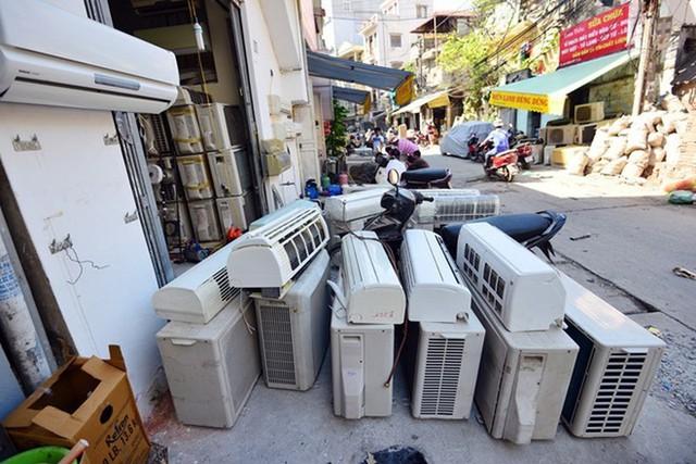 Điều hoà cũ hao tốn rất nhiều điện năng khi sử dụng.