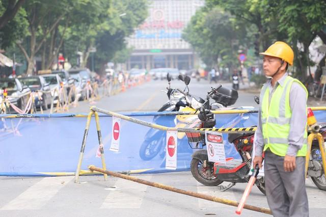 Hỗn loạn giao thông tại dự án ga ngầm Hà Nội sắp thi công trên đường Trần Hưng Đạo - Ảnh 5.
