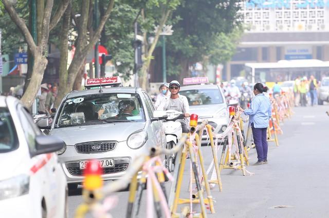 Hỗn loạn giao thông tại dự án ga ngầm Hà Nội sắp thi công trên đường Trần Hưng Đạo - Ảnh 7.