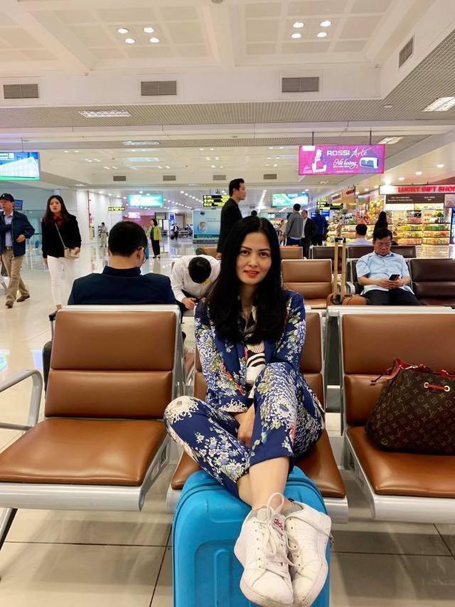 Style sân bay năng động của nữ diễn viên ngoài đời