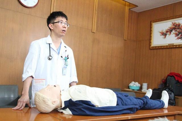 PGS Mai Duy Tôn hướng dẫn cách nhận biết đột quỵ