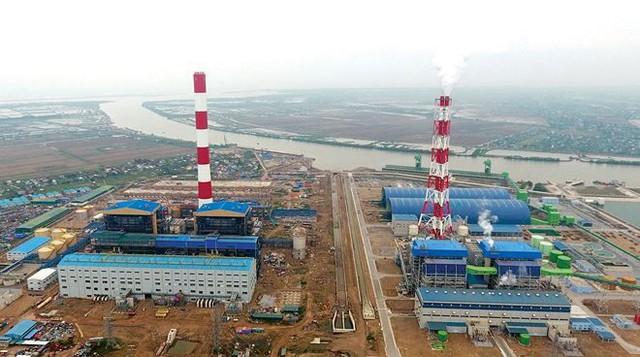 Nhiều dự án điện chậm tiến độ, khiến nguy cơ thiếu điện ngày càng cao.