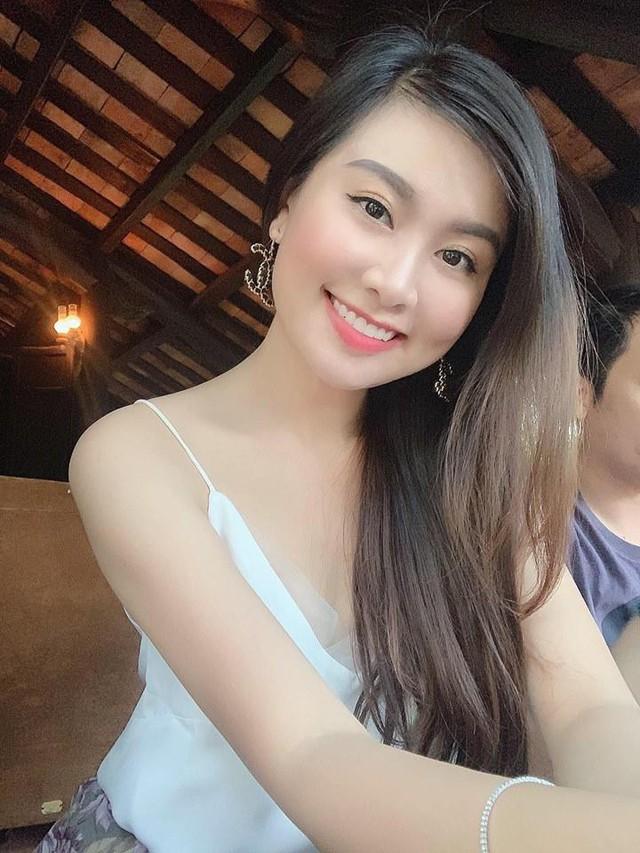 Tuổi 31, trải qua việc sinh nở bầu bí nhưng Hà Phương vẫn duy trì được sắc vóc trẻ trung