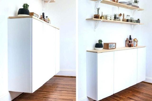 Làm mới nhà bếp nhờ một thiết kế tủ trắng tinh khôi. Đây cũng là giải pháp ăn gian cho những ngôi nhà có diện tích nhà bếp chật, hẹp.