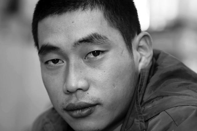 Nhà báo Quách Dương.
