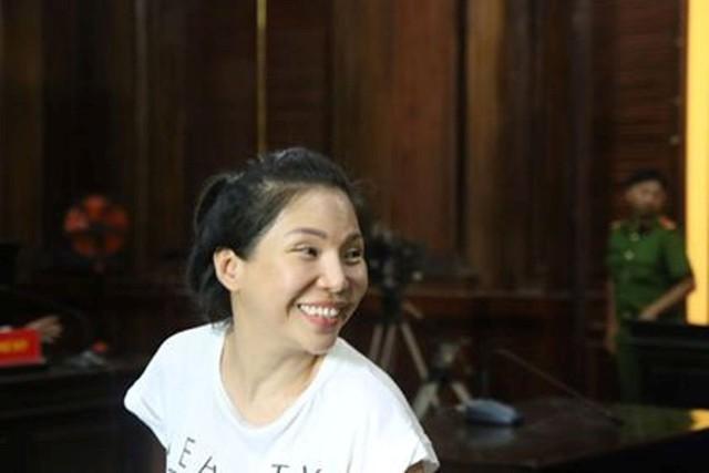Bác sĩ Chiêm Quốc Thái đề nghị nếu bà Sen cứ vắng mặt thì hãy áp giải đến tòa - Ảnh 2.