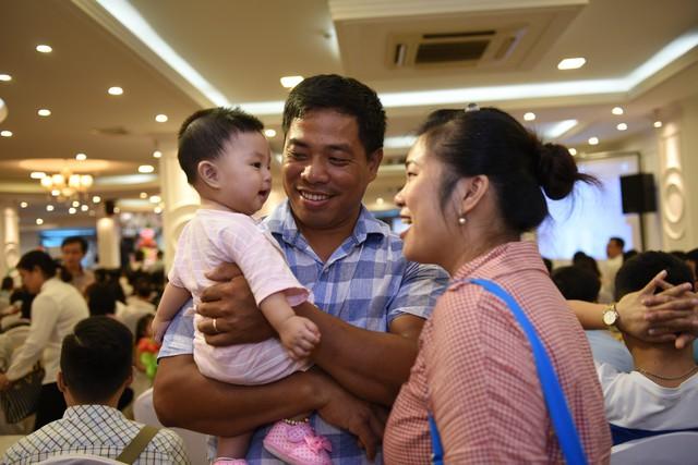 Hạnh phúc của cặp vợ chồng có con nhờ TTTON. Ảnh BVCC