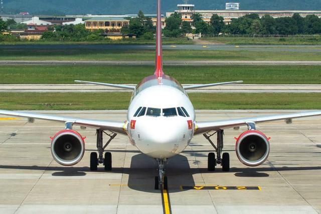 Vietjet Air tiếp tục delay nhiều tiếng đồng hồ khiến hành khách bức xúc - Ảnh 3.