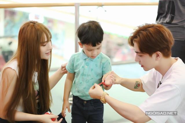Thu Thủy đi chơi cùng con riêng và bạn trai kém 10 tuổi - Ảnh 6.