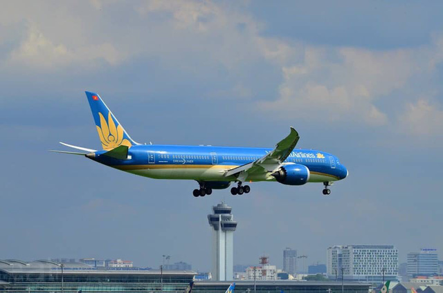 Qua khảo sát cả hãng hàng không trong nước và quốc tế, hiếm có trường hợp để chuyến bay chở hơn 200 khách chờ đợi 1 người trong thời gian dài như Vietnam Airlines.
