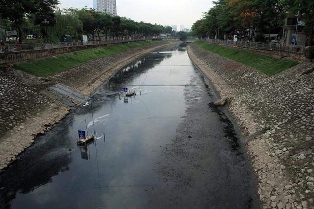 Những chiếc máy xử lý nước thải ô nhiễm bằng công nghệ Nano được kỳ vọng sẽ làm thay đổi đoạn sông Tô Lịch ô nhiễm nhiều thập kỷ qua.