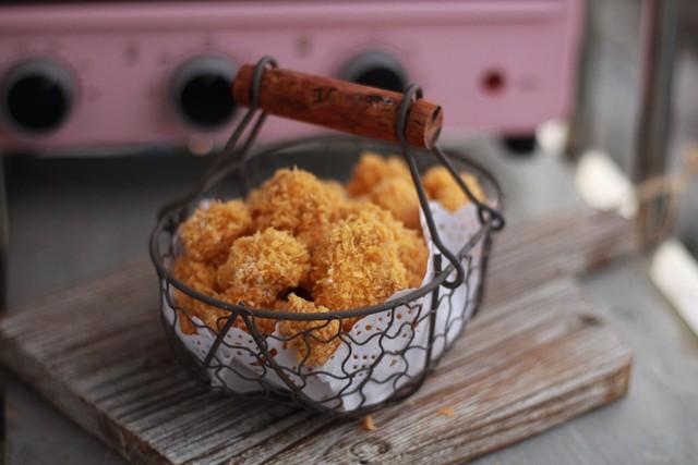 Chúc các bạn thực hiện thành công và có món gà rán thật ngon cho các bé và cả nhà nhé!