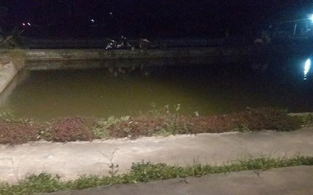 Diễn biến mới nhất vụ 3 cháu bé đuối nước tử vong ở ao sâu gần 2 mét tại nhà ông nội - Ảnh 1.