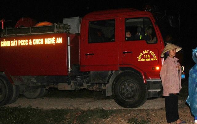 Xe Cảnh sát PCCC của đội cứu hộ cứu nạn đến hiện trường