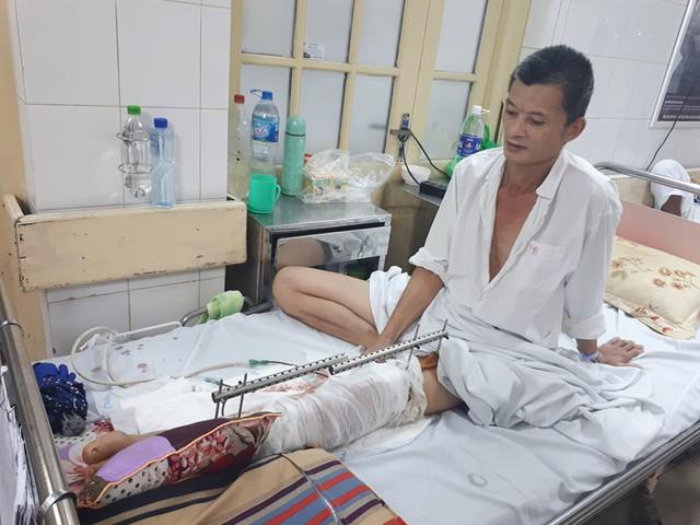 Sau tai nạn, chấn thương của anh Giang nặng cần phải điều trị dài ngày mà không có kinh phí. ảnh PT