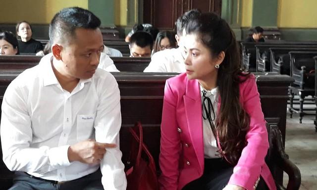 Bà Lê Hoàng Diệp Thảo trong phiên xử ly hôn với ông Đặng Lê Nguyên Vũ