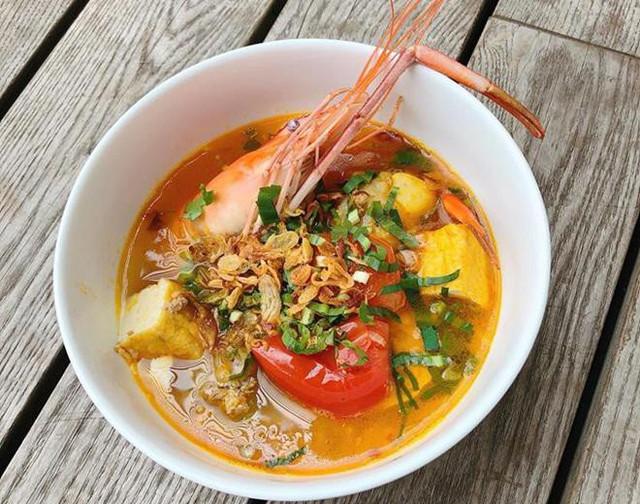 Bún riêu tôm càng Tăng Thanh Hà nấu dành cho chị chồng Stephs Nguyễn khi cô đang mang bầu.