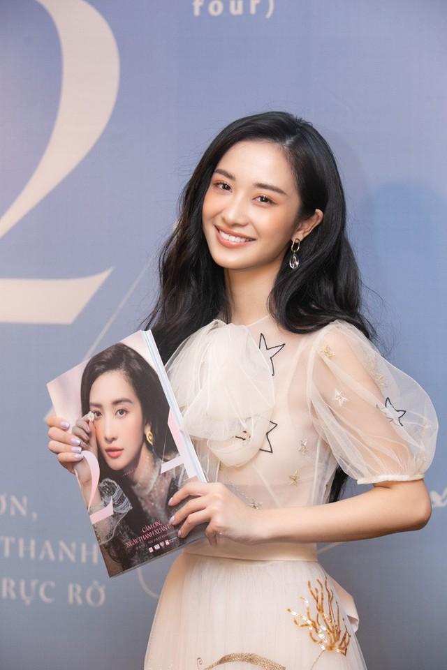 Jun Vũ ra mắt cuốn photobook sau khi đầu quân cho công ty Ngô Thanh Vân. Ảnh: TL