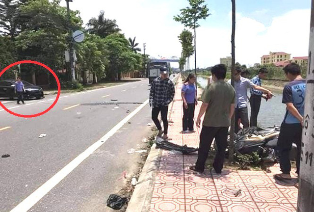 Hiện trường vụ tai nạn trước cổng Viện KSND huyện Quỳnh Phụ. Ảnh: Bạn đọc cung cấp