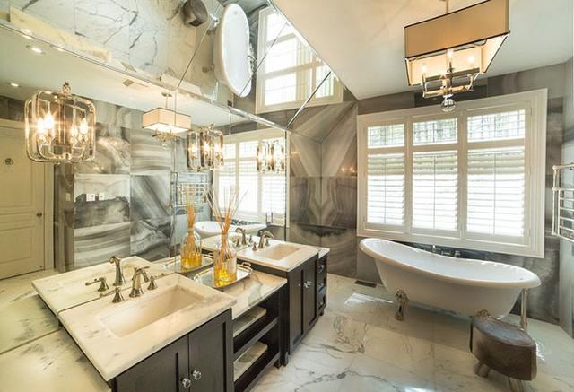 Việc vệ sinh, làm sạch những bức tường ốp đá cẩm thạch dễ dàng hơn rất nhiều so với tường sơn hay dùng giấy dán tường.