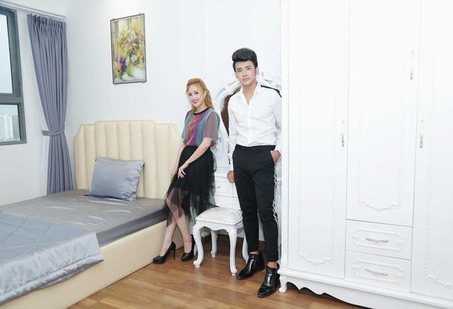 Nữ diễn viên tiết lộ, căn nhà mới của 2 vợ chồng năm ở quận 8, TP. HCM, với diện tích 75m2, gồm 2 phòng ngủ và 2 toilet.
