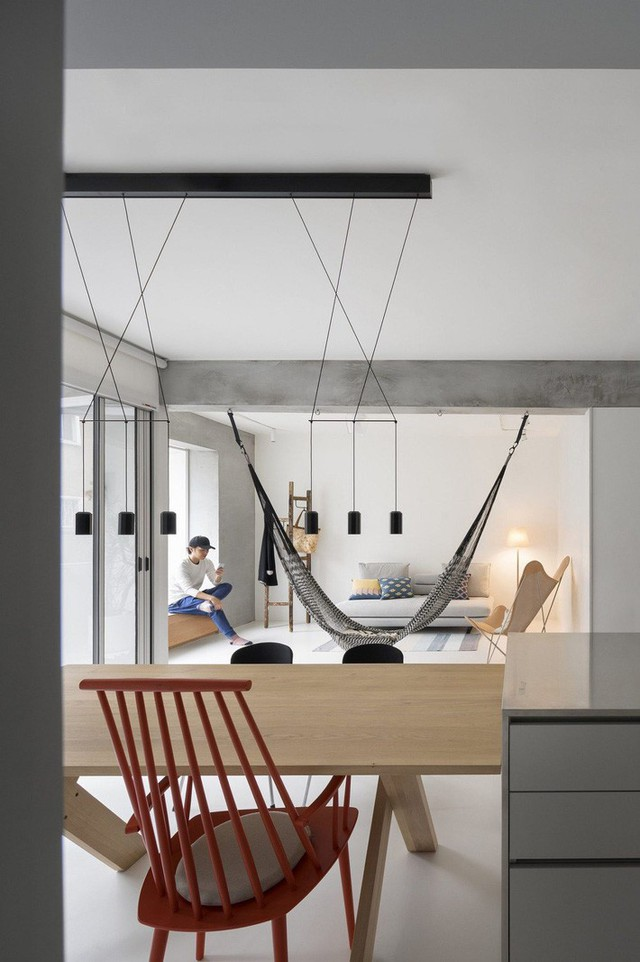 Mọi nội thất được khéo léo lựa chọn phù hợp về kích thước và tối giản về kiểu dáng.
