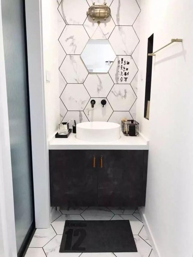 Phòng vệ sinh nhỏ gọn, hiện đại, sang trọng.