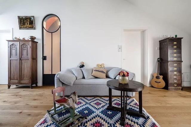 Khu vực phòng khách được bố trí đơn giản.