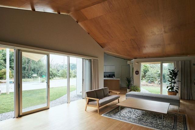 Cải tạo lại ngôi nhà 300 tuổi của Nhật Bản cho cái nhìn sáng sủa và hiện đại hơn.