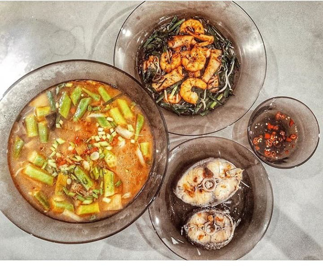 Món canh hoa chuối nấu canh chua theo kiểu Miền Trung