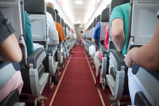 Theo tạp chí Clinical Infectious Diseases, hành khách ngồi ở ghế sát với lối đi rất dễ tiếp xúc với vi khuẩn có hại kể cả khi người đó không hề sử dụng nhà vệ sinh trên máy bay. Ảnh: Traveller.