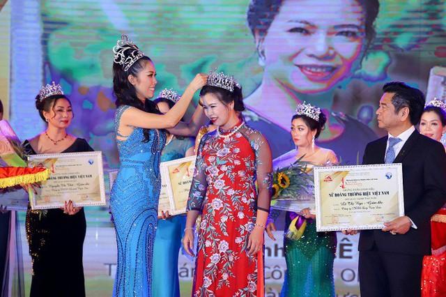 Danh hiệu Nữ hoàng thực phẩm được trao gần giống như cuộc thi sắc đẹp