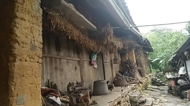 Một ngày vất vả kiếm tiền đi học của nữ sinh nghèo người Hmông được tuyển thẳng vào đại học - Ảnh 17.