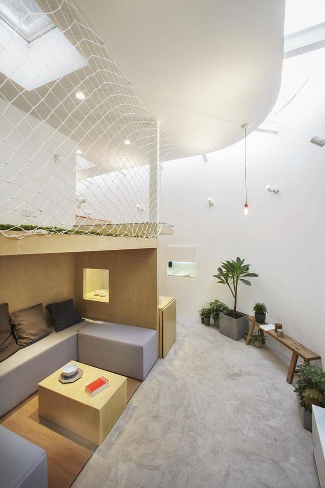 Khu vực phòng khách với những khối nệm có thể dễ dàng dịch chuyển.