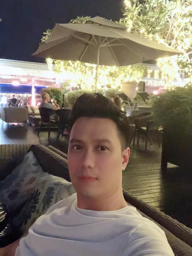 Không chỉ bây giờ,  diễn viên Việt Anh đã có quá trình dài để nâng cấp nhan sắc khác lạ - Ảnh 4.