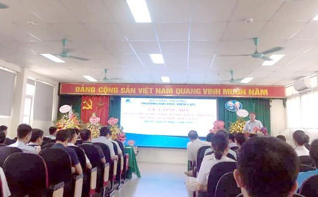 Lễ công bố quyết định bổ nhiệm tân phó hiệu trưởng với ông Nguyễn Lê Cường gây ra dư luận trái chiều trong nội bộ cán bộ, giảng viên Đại học Điện lực.