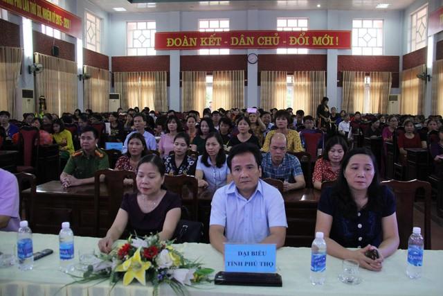 Các đồng chí lãnh đạo Sở Y tế, đài PTTH, chi cục DS-KHHGĐ tỉnh dự và chỉ đạo hội thi