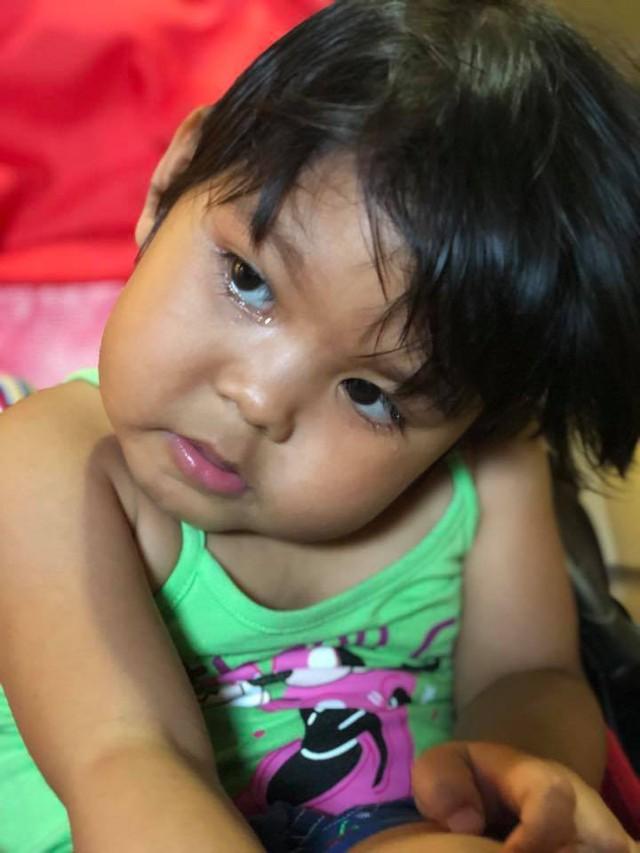 Mẹ bé gái 3 tuổi dân tộc Thái 10 lần phẫu thuật gửi lời cảm ơn độc giả Vòng tay Nhân ái - Ảnh 2.